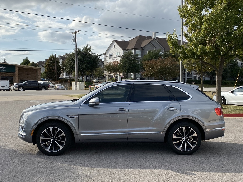 Pre-Owned 2017 Bentley Bentayga W12